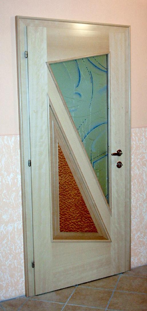 Dreiecke in einer Tür
