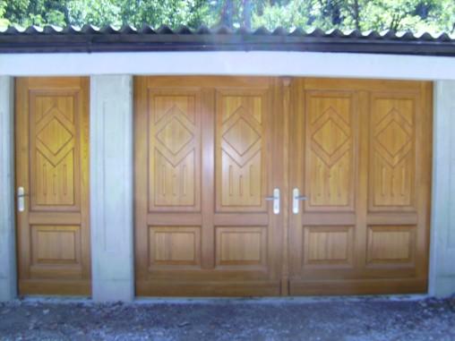 Eingangstor und Tür